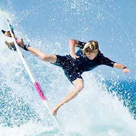 サーフィンウェットスーツ